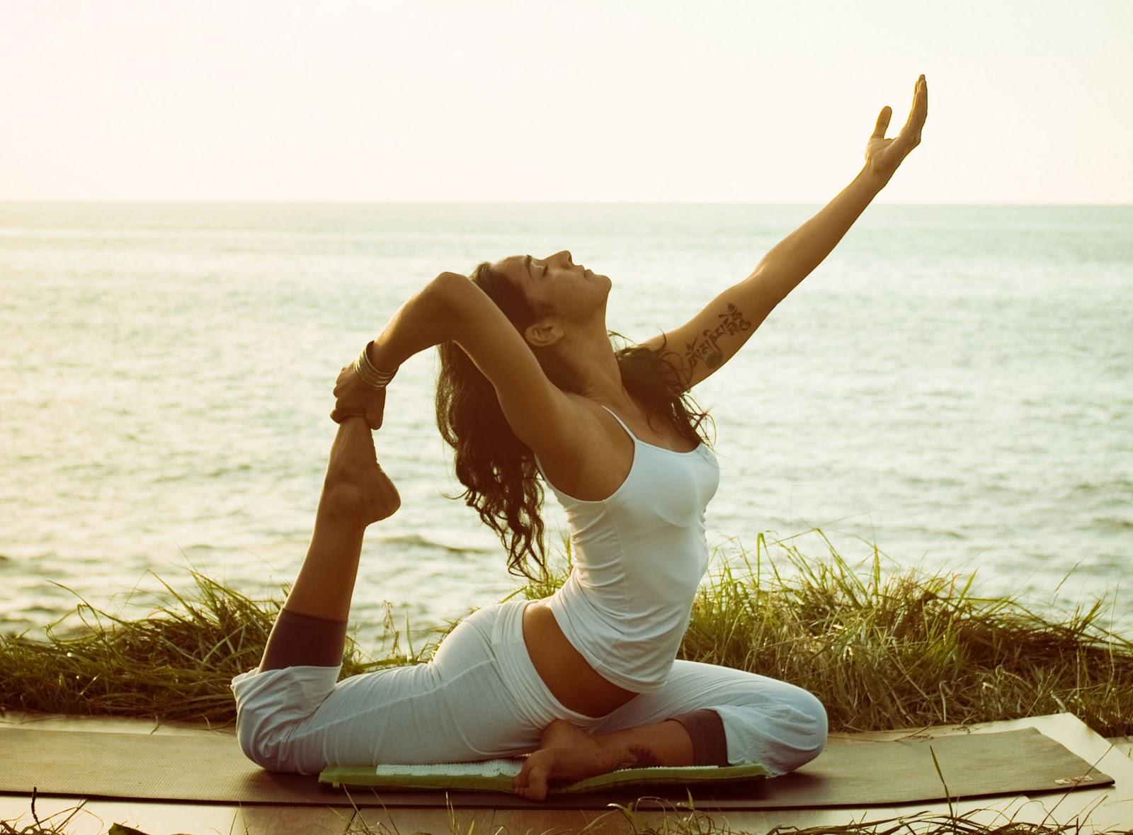 Chica practicando yoga