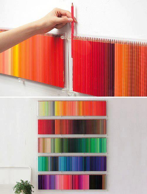 Adorno con lápices de colores