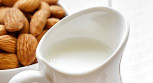 Receta de leche de almendras casera